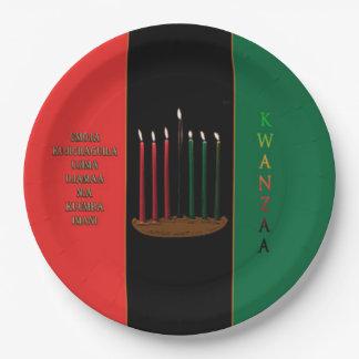 紙皿7本の蝋燭のKwanzaaのパーティーの ペーパープレート