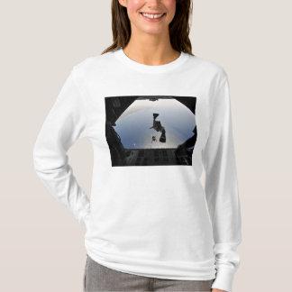 素早く書き留める米国空軍pararescueman tシャツ