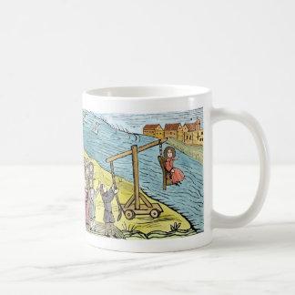 素早く身をかがめる腰掛け コーヒーマグカップ