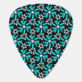 素晴しいターコイズのろうけつ染めの花模様 ギターピック