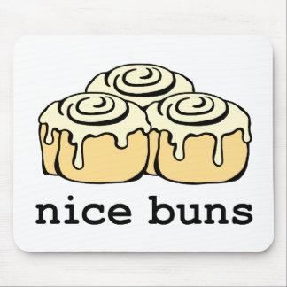 素晴らしいパンのシナモンロールのおもしろいな漫画のデザイン マウスパッド