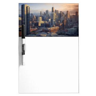 素晴らしいライトとの都市景観の眺め ホワイトボード