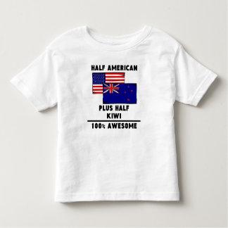 素晴らしい半分のキーウィ100%年 トドラーTシャツ