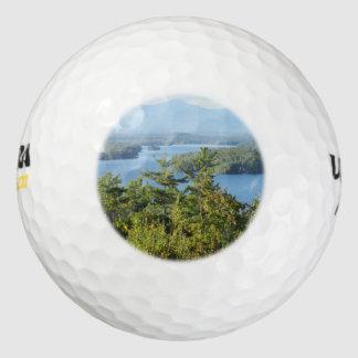 素晴らしい湖のwinnipesaukeeの眺め ゴルフボール