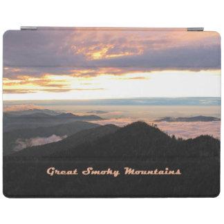 素晴らしい煙山のパステルの日没 iPad カバー