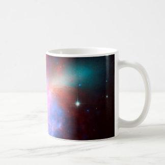 素晴らしい眺めのスターバストを示す宇宙望遠鏡 コーヒーマグカップ