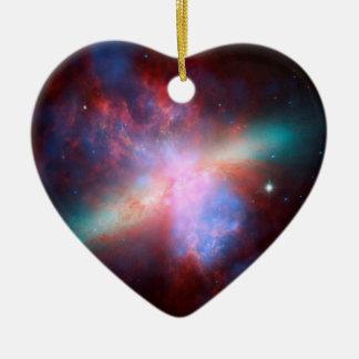 素晴らしい眺めのスターバストを示す宇宙望遠鏡 セラミックオーナメント