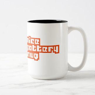素晴らしい陶器のマグ(より大きい) ツートーンマグカップ