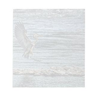 素晴らしい青鷲の野性生物のBirdloverの上陸のデザイン ノートパッド