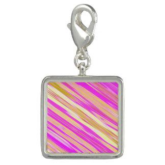 素晴らしく明るいピンクの斜めのデザイン チャーム