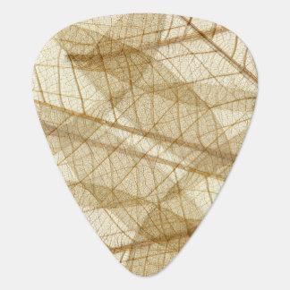 素朴で薄いクリーム色のレースの葉 ギターピック