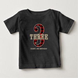 素朴で赤い黒いバッファローの格子縞の第3誕生会 ベビーTシャツ