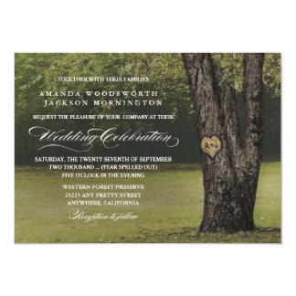 素朴なイニシャルの古いオークの木の結婚式招待状 カード