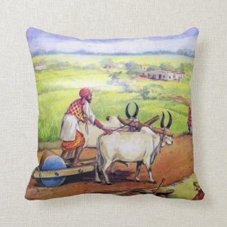 素朴なインドの感じの枕 クッション