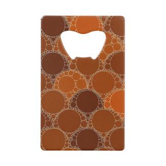 素朴なオレンジブラウンの円の抽象芸術 クレジットカード 栓抜き