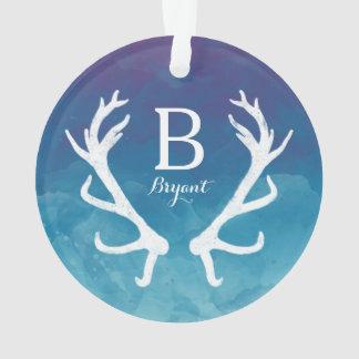 素朴なシカの(雄ジカの)枝角のモノグラムの青の水彩画 オーナメント