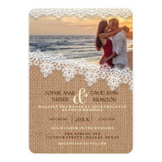 素朴なバーラップのレースの写真の結婚式招待状 カード