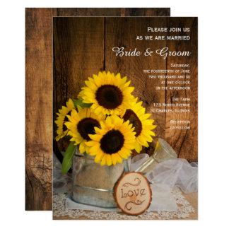 素朴なヒマワリおよび庭のじょうろの結婚式 12.7 X 17.8 インビテーションカード