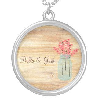 素朴なメーソンジャーのモモによっては結婚式のネックレスが開花します シルバープレートネックレス