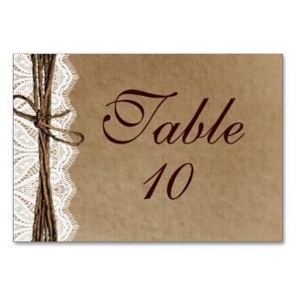 素朴な国のヴィンテージのペーパー結婚式のテーブルカード