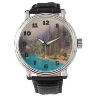 素朴な景色の北の景色 腕時計
