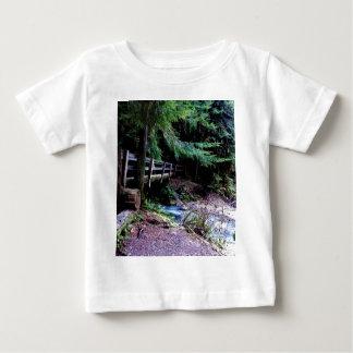 素朴な木橋のオリンピック公園 ベビーTシャツ