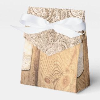 素朴な木製のレース及びつけられたメーソンジャーの結婚式 フェイバーボックス