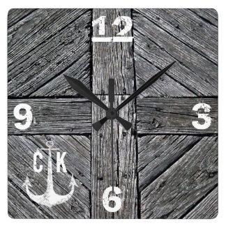 素朴な木製のヴィンテージのいかりの航海のなモノグラム スクエア壁時計