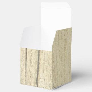 素朴な木製の国の結婚式の引き出物箱