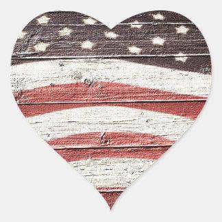 素朴な木製の質の色彩の鮮やかな米国旗 ハートシール