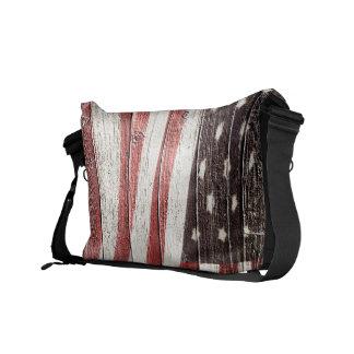 素朴な木製の質の色彩の鮮やかな米国旗 メッセンジャーバッグ