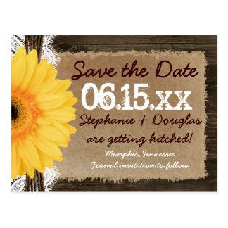 素朴な木製の黄色いデイジーの保存日付の郵便はがき ポストカード
