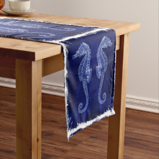 素朴な漂流の木製のヴィンテージの青いタツノオトシゴの結婚式 ショートテーブルランナー