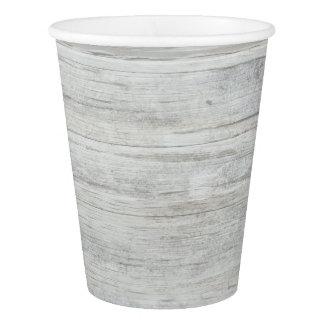 素朴な白人の木製のぼろぼろの国の納屋のパーティー 紙コップ