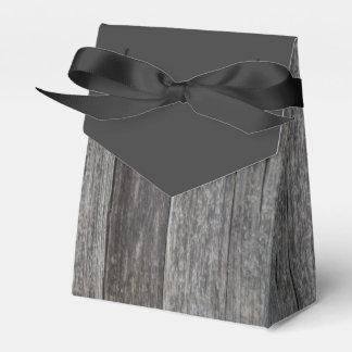 素朴な納屋の木製の結婚式 フェイバーボックス