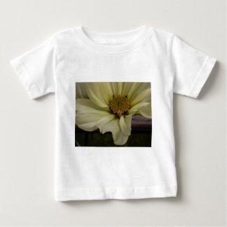 素朴な花 ベビーTシャツ