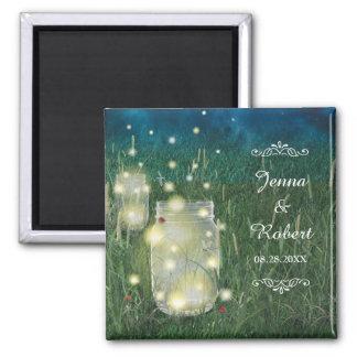 素朴な草原の夏の夜のメーソンジャーおよびホタル マグネット