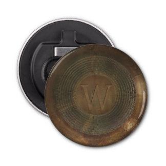 素朴な金属Wのモノグラムの栓抜き 栓抜き