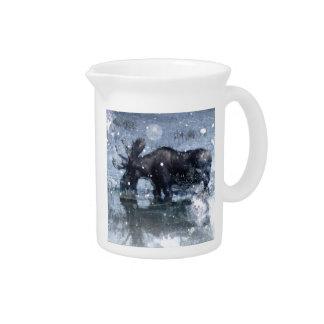 素朴なoutdoorsmanの荒野の野性生物の雄牛のアメリカヘラジカ ピッチャー