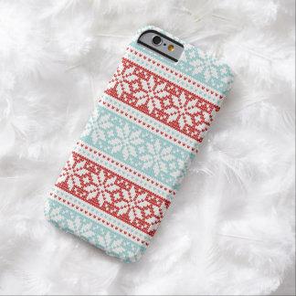紫系統の雪片のクリスマスのニットパターン BARELY THERE iPhone 6 ケース