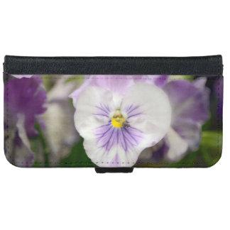 紫色および白いビオラ iPhone 6/6S ウォレットケース