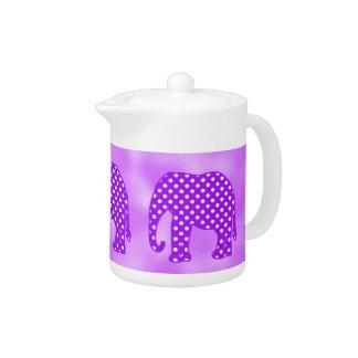 紫色および白い水玉模様象
