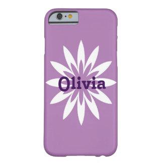 紫色および白い花のモノグラムの携帯電話の箱 BARELY THERE iPhone 6 ケース