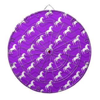 紫色および白馬のシェブロンすみれ色のパターン ダーツボード