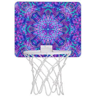 紫色および青の万華鏡のように千変万化するパターンのバスケットボールバスケ ミニバスケットボールゴール
