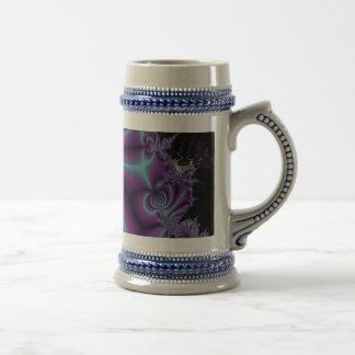 紫色および黒いフラクタルの芸術 ビールジョッキ