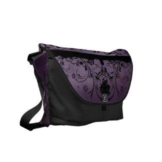 紫色および黒い金属デザイナー メッセンジャーバッグ