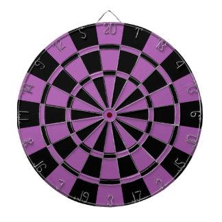紫色および黒 ダーツボード