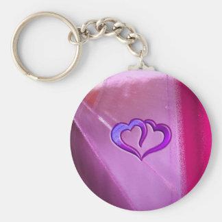 紫色によって刻まれるハート キーホルダー