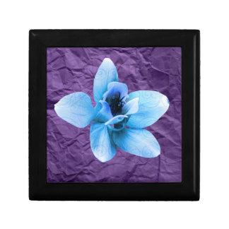 紫色のしわの青の花 ギフトボックス